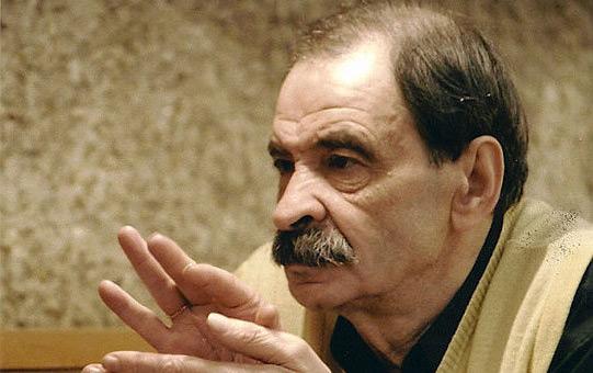 Скончался актер и телеведущий, народный артист России Илья Олейников 11 ноября 2012 года