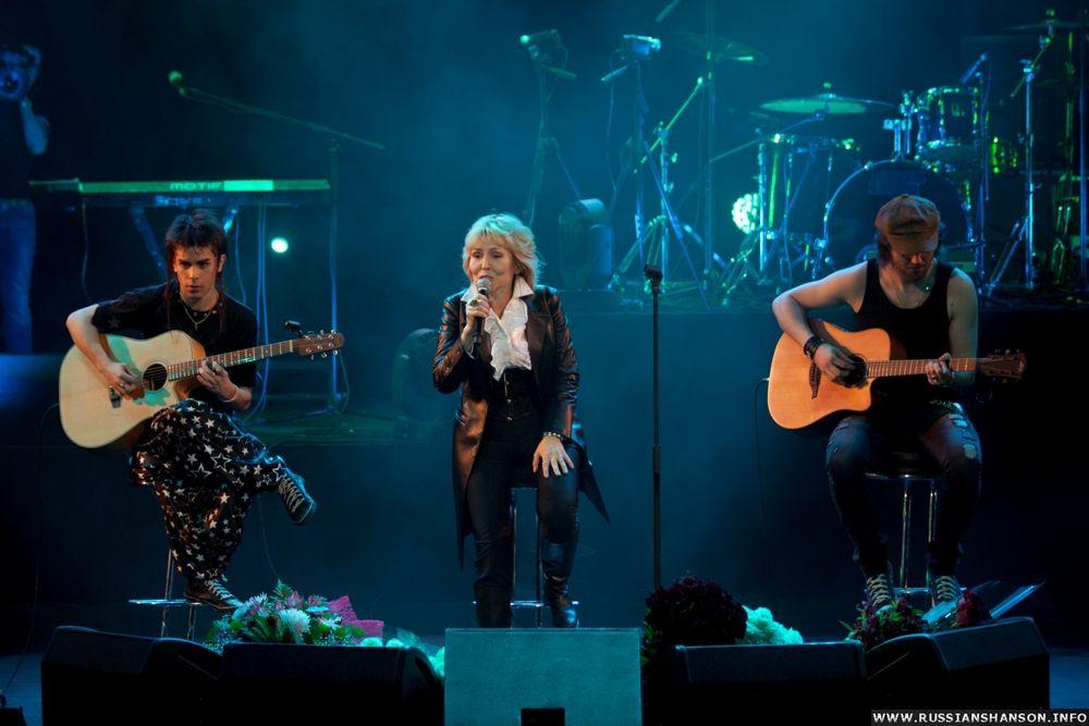 Фоторепортаж. Сольный концерт Ольги Кормухиной «Падаю в небо» 26 апреля 2012 года