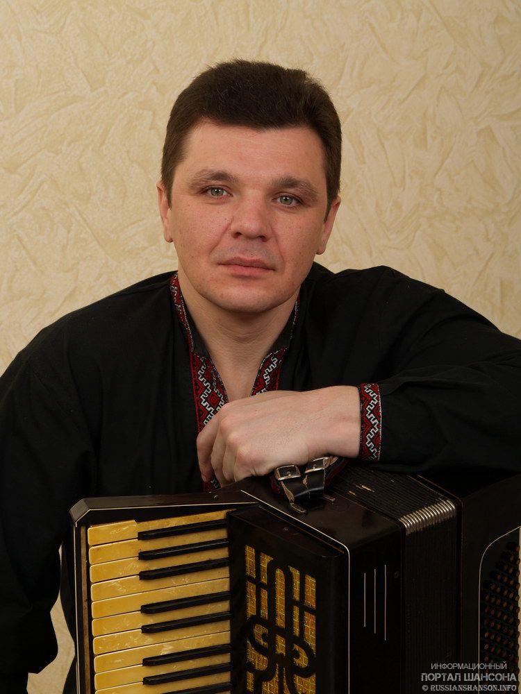 Трагически ушёл из жизни Влад Савосин (Ясень), бывший баянист в коллективе Михаила Круга 27 января 2017 года