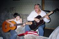 Дома у В.Урецкого сын Михаил с К.Беляевым ноябрь 2001 г.