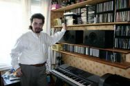 Михаил Иноземцев у себя на студии