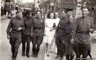 Встречи на улицах Бухареста. Сентябрь,  1944 года (справа от Веры Лещенко - Георгий Храпак)