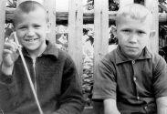 Детство у бабушки Лизы: Анатолий Полотно с братаном Сашкой на Замулановской улице. Пермь,  Мулы.