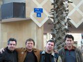 С Михаилом Шелегом и Володей Черняковым. Израиль,  площадь Шелег