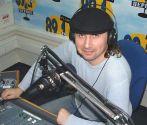 """В студии """"Первого радио"""". В эфире программа """"101-й км"""". У меня перерыв 5 мин,  пока звучит реклама"""