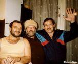 Михаил Гулько в Германии с друзьями. Слева-Ефим,  справа-известный боксер Олег Коротаев Мюнхен,  1989 (фото слева.)