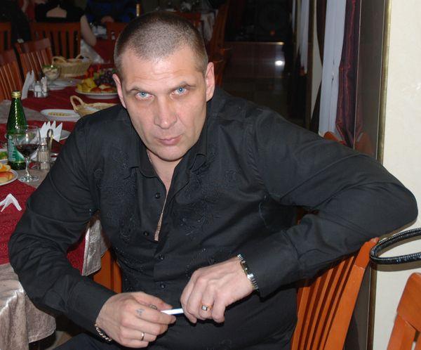 Ведущий Андрианов Олег - YouTube